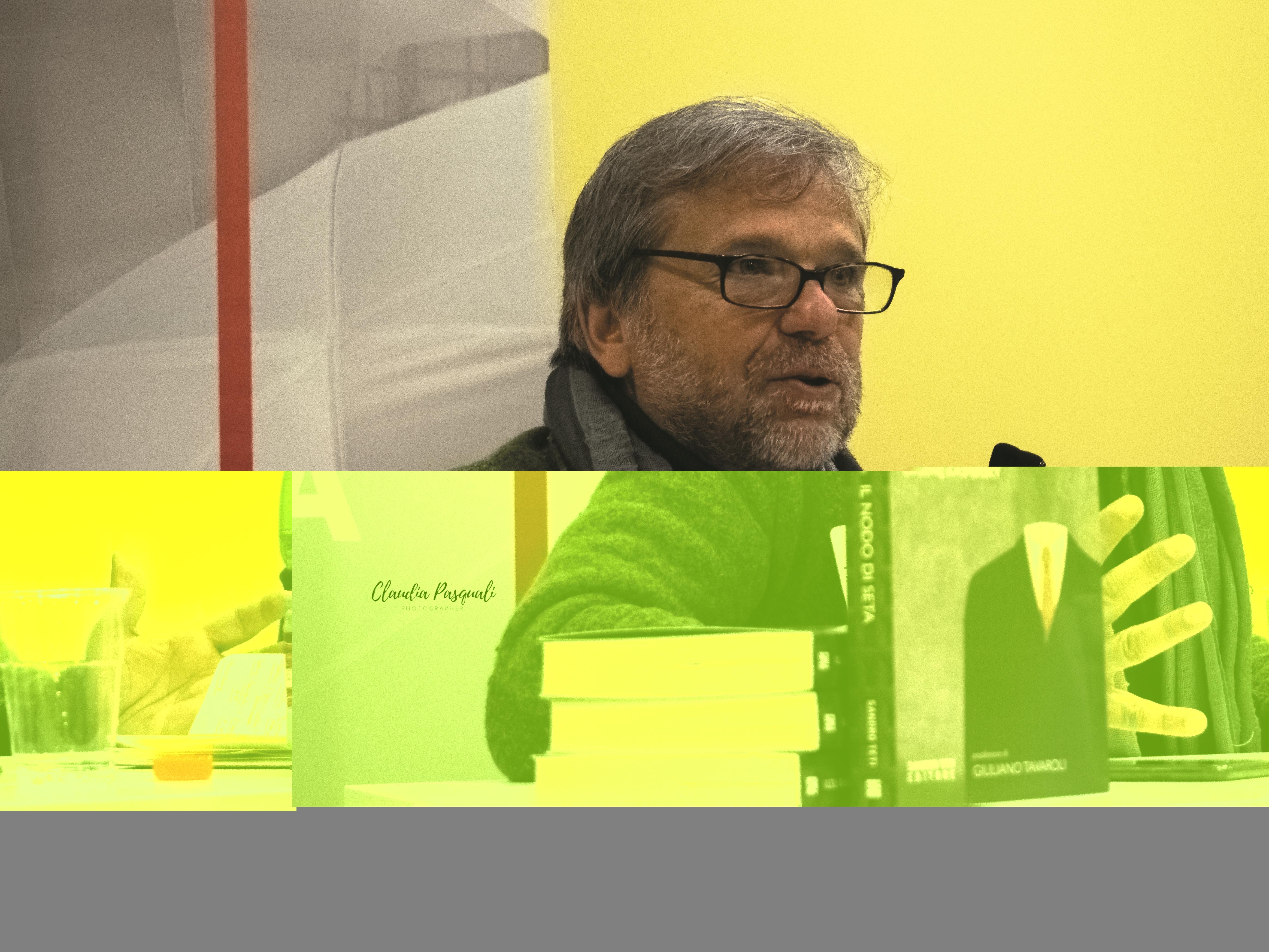 """Presentazione del libro di Marco Forneris """"Il nodo di seta"""" a Più Libri Più Liberi. Nella foto: Sergio Bellucci."""