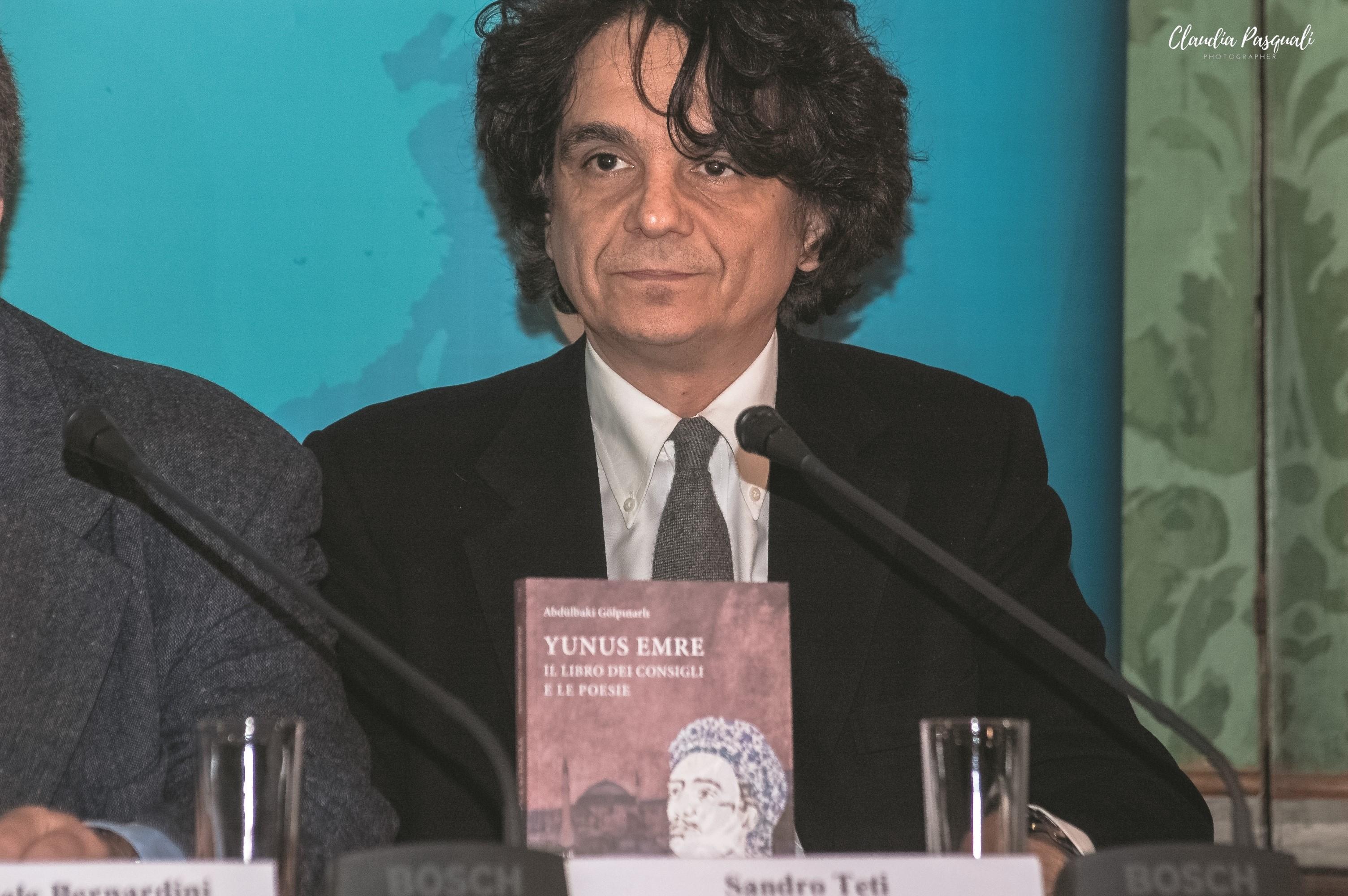 """Presentazione del libro """"Yunus Emre. Il libro dei consigli e le poesie"""". L'editore Sandro Teti."""