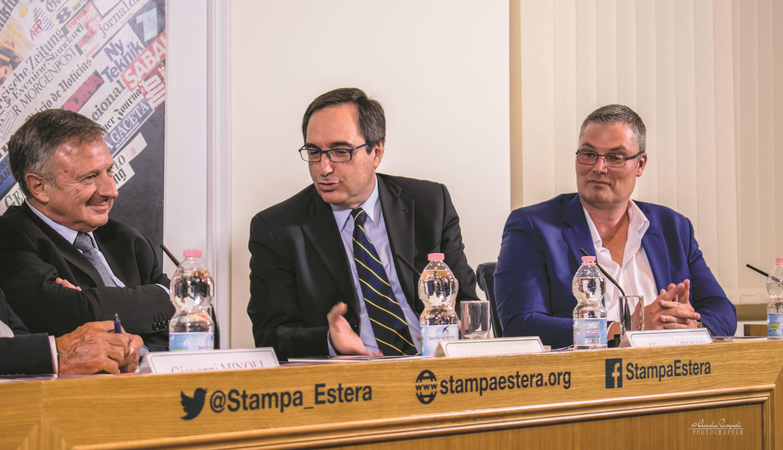 Da sinistra: l'autore Marco Forneris; Giovanni Russo e Morten Lehn