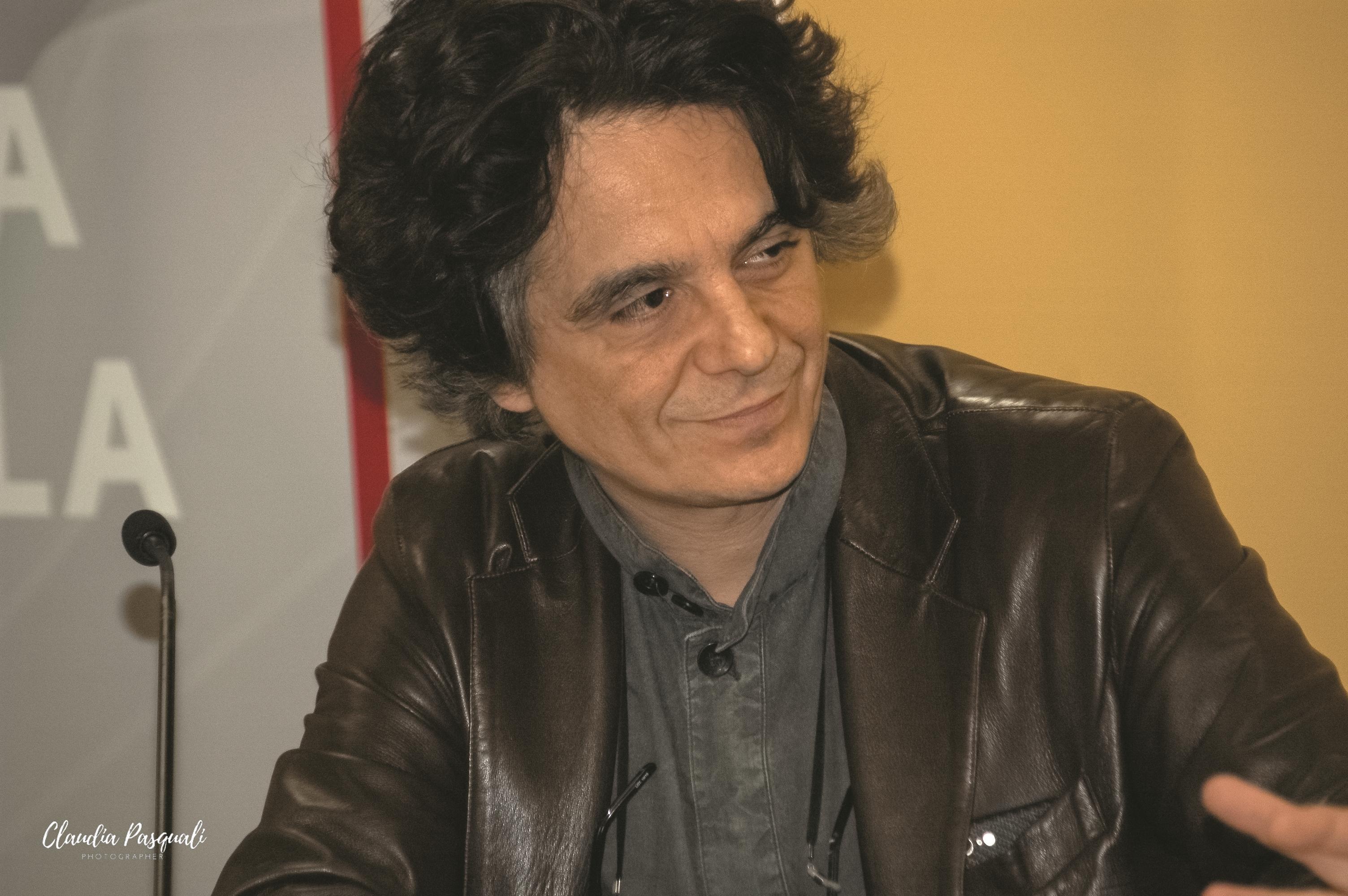 """Presentazione del libro di Myriam Cristallo """"Uscir fuori"""" a Più Libri Più Liberi. Nella foto: l'editore Sandro Teti."""