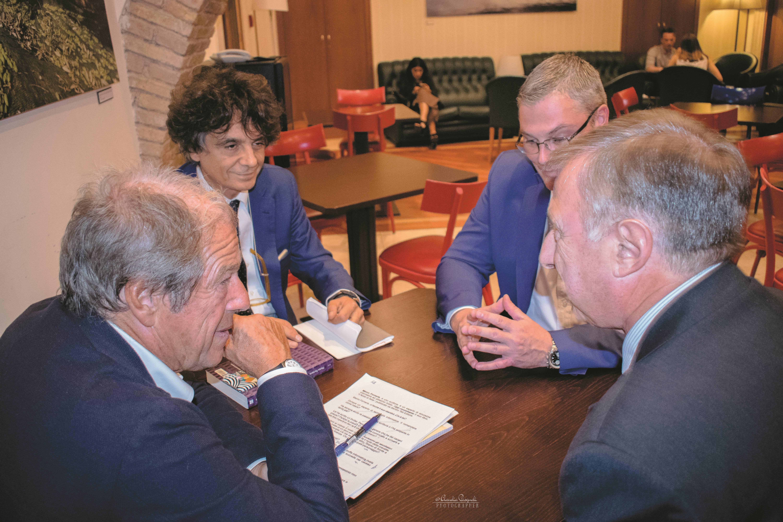Da sinistra: Giovanni Minoli; l'autore Marco Forneris; Morten Lehn e l'editore Sandro Teti