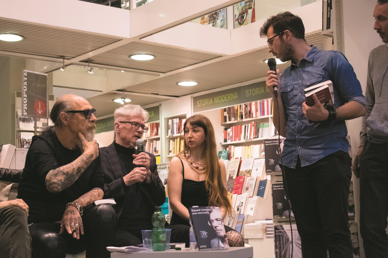 """Presentazione del libro di Eduard Limonov """"Zona industriale"""" presso IBS+Libraccio a Roma. Gli interventi."""