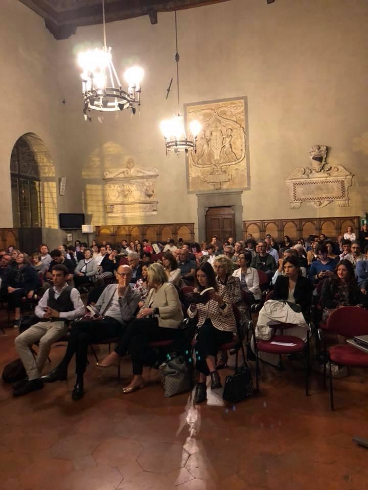 """Presentazione del libro """"Zona industriale"""" di Eduard Limonov presso la Sala del Comune a Pistoia."""